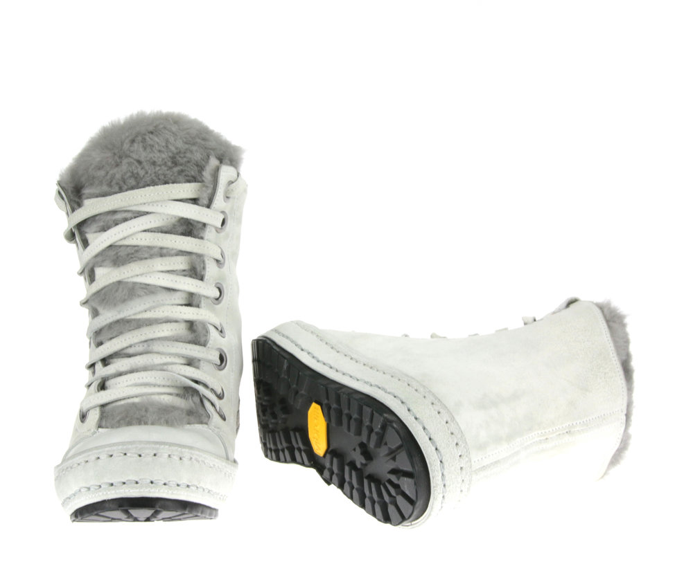 8Hole Light Grey Fur front sole.jpg