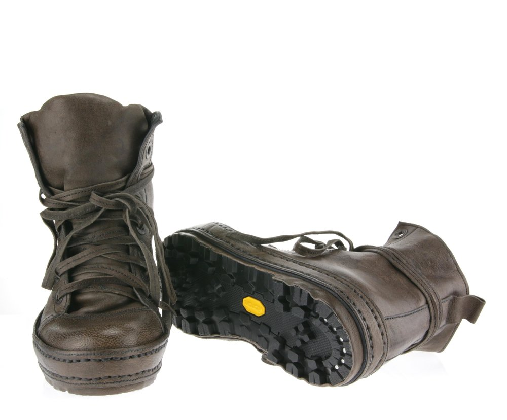 8Hole Hike double front sole.JPG