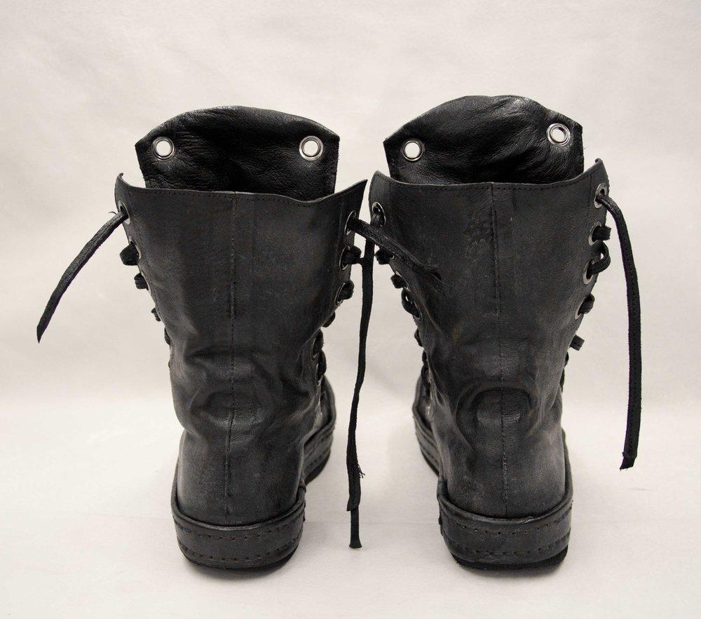 07. Black boots back.jpg