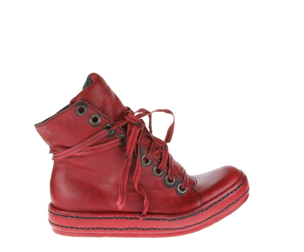 9Hole LBs Red Kangaroo