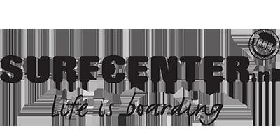 De grootste surfshop van het Noorden levert al sinds jaar en dag veel spullen aan vereniging en leden. De koffie staat altijd klaar bij Jack en Jan Willem.