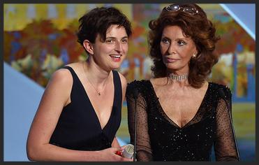 The Wonders director Alice Rohrwacher and Sophia Loren