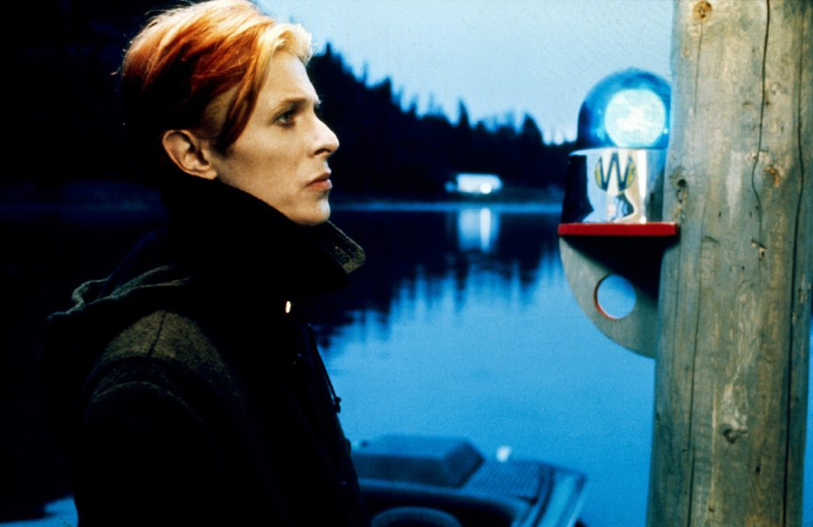 Bowie as an alien vistor lost in America in The Man Who Fell To Earth