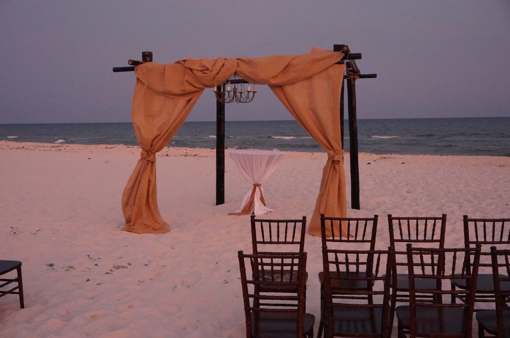 9 Summer Beach Wedding Tips