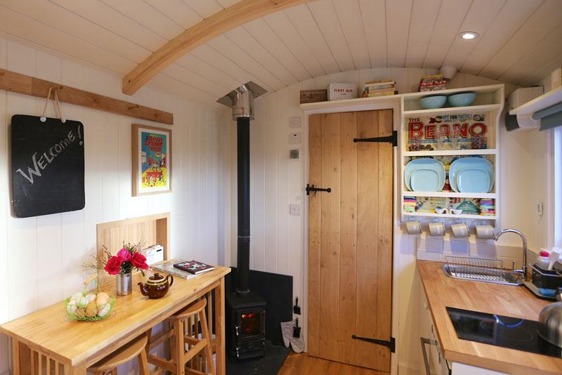 Hut_Inside 2s.jpg