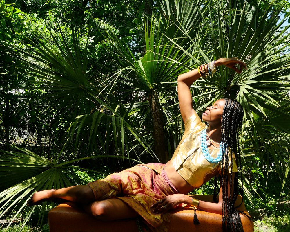 Model Tierra Benton wearing Taunya Benton Design #motheranddaughterduo #modeltierra #summertimefine