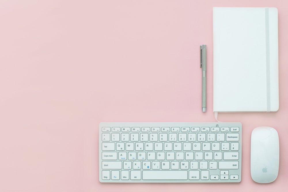 Desk, Project, Freelance, Freelance Fashion, Freelance Media and Events, Freelance Weddings,