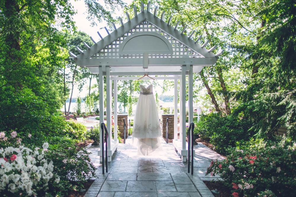virginia-wedding-photographer-theboathouseatsundaypark-1.jpg