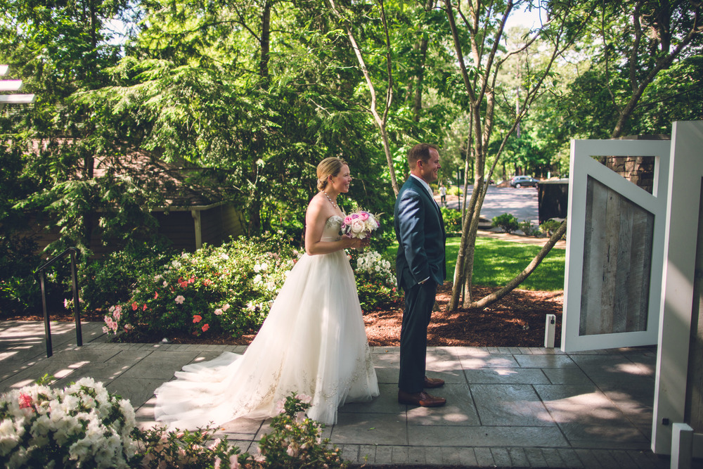 virginia-wedding-photographer-theboathouseatsundaypark-8.jpg