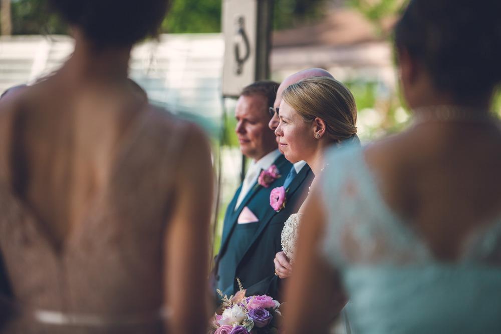 virginia-wedding-photographer-theboathouseatsundaypark-16.jpg