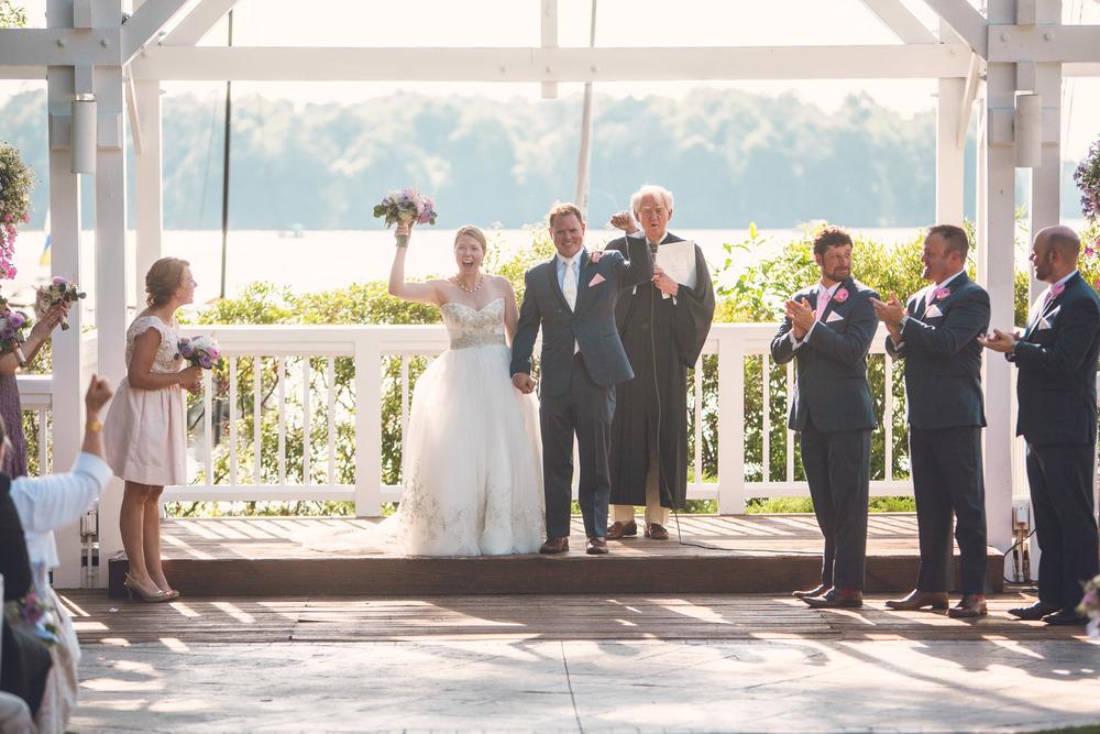 virginia-wedding-photographer-theboathouseatsundaypark-18.jpg