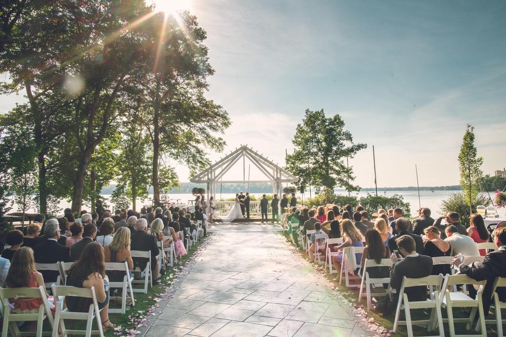 virginia-wedding-photographer-theboathouseatsundaypark-17.jpg