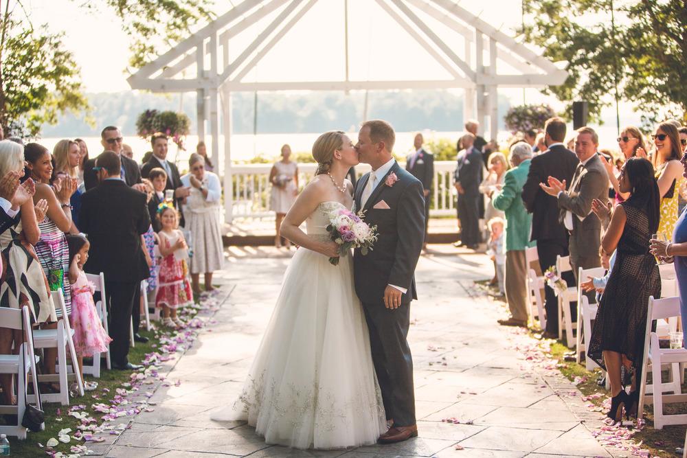 virginia-wedding-photographer-theboathouseatsundaypark-19.jpg