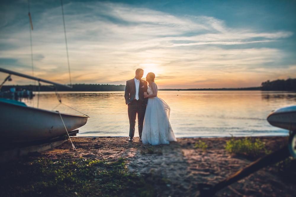 virginia-wedding-photographer-theboathouseatsundaypark-26.jpg