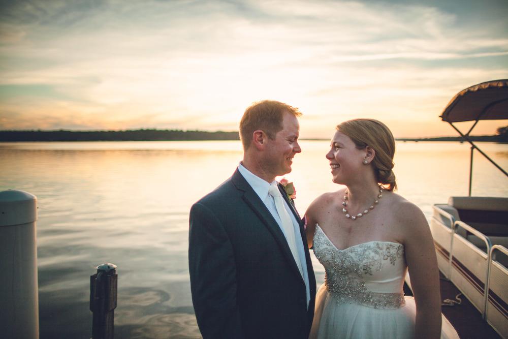 virginia-wedding-photographer-theboathouseatsundaypark-29.jpg
