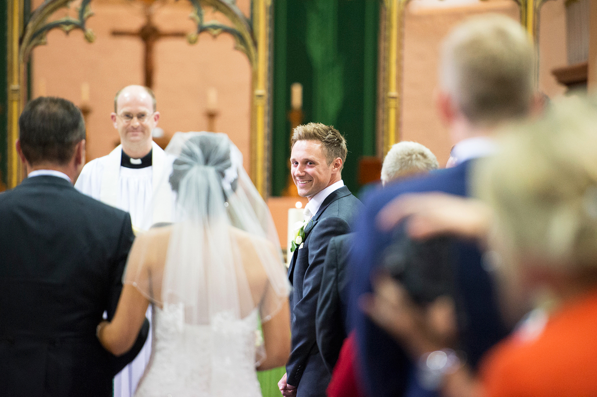 a wedding at st andrews church in thorpe st andrew, norwich