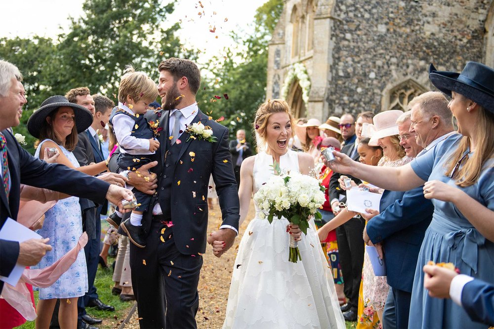 Wedding photographers norfolk confetti