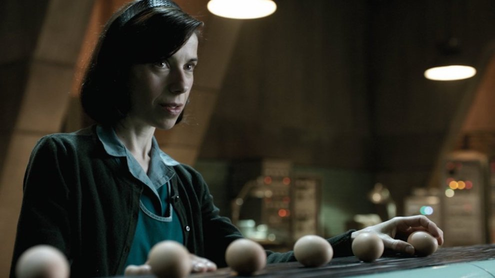 shape-of-water-2017-001-sally-hawkins-lining-up-eggs.jpg