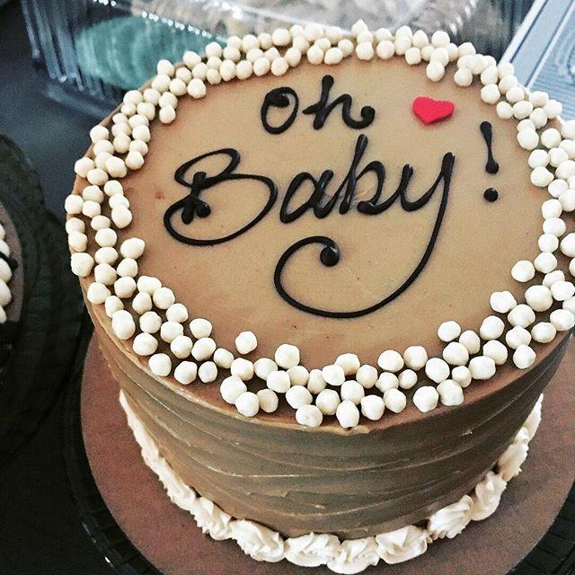 Best 'Dirty Chai' Baby Shower Cake everrrrr!! ❤️ #babyshowercake #eventcakes #dirtychai #newflavor #cakesensation #bestbakeryLA #thrillistfoodporn #losangelesmagazine #losangelesbakery #marinadelrey #culvercity #buttercreamcake #yelpla #eaterla #losangelesdesserts