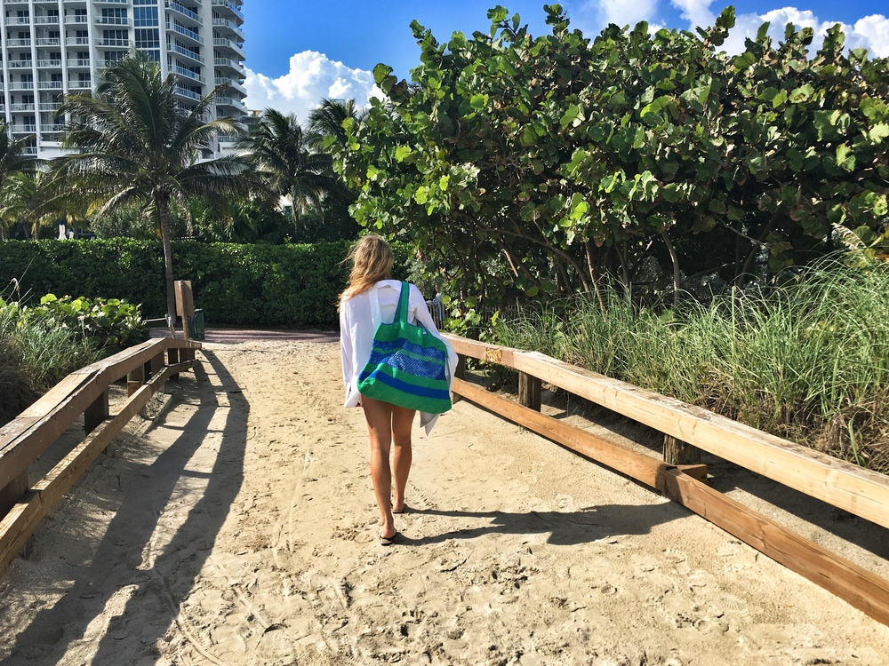 Leatherback Beach Bag walking