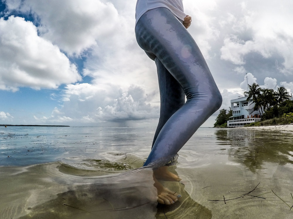 waterlust tiger shark leggings side water
