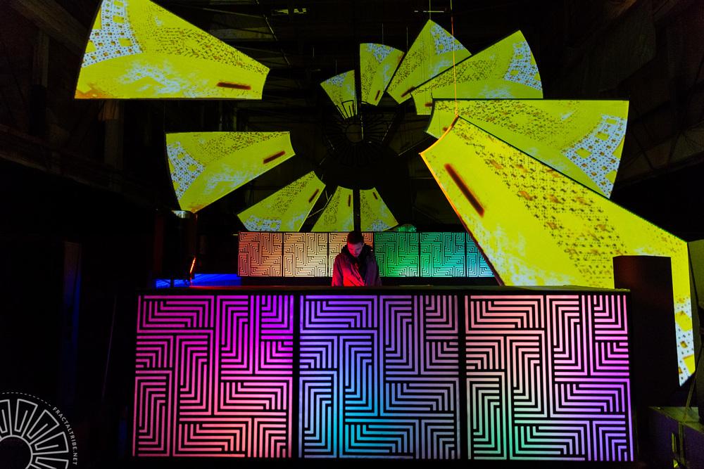 Digital Vagabond @ Year of the Fractilian