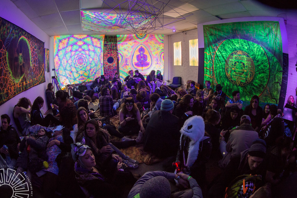 Chillvibes @ Year of the Fractilian