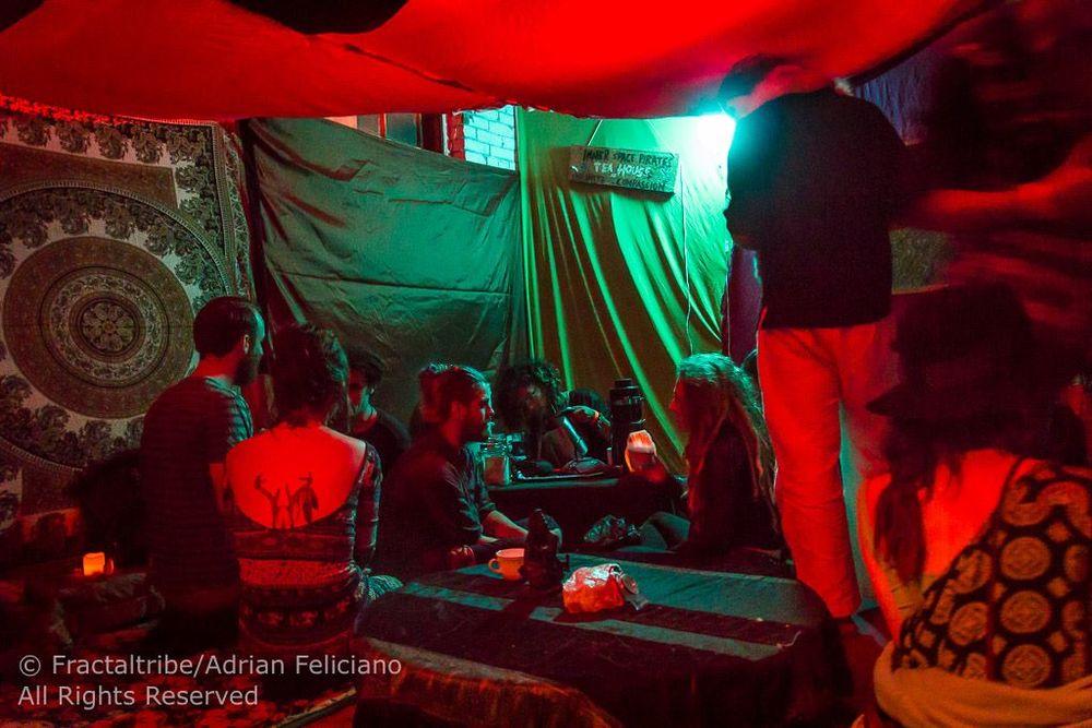 Tea Lounge Extrawelt Adrian 6.jpg