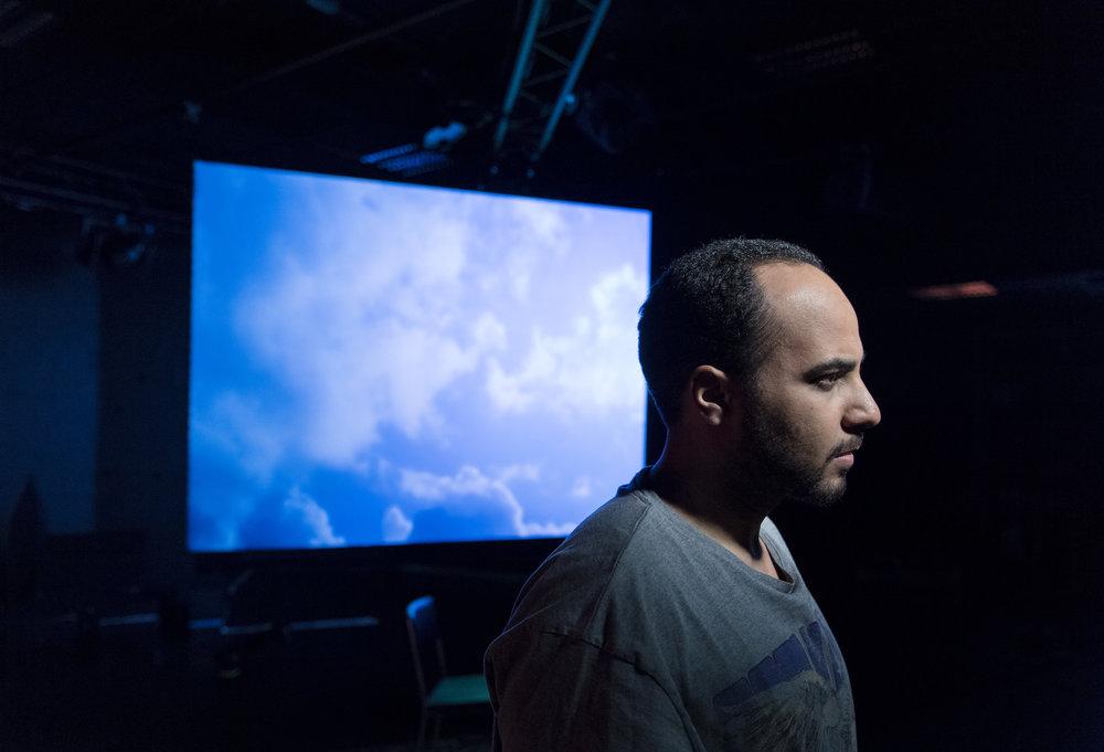 Magdi Saleh i rollen som Ilias i  Jihadisten  på Göteborgs Stadsteater. Foto: Ola Kjelbye.