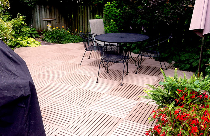 Resurfaced Deck (Taupe   recycled plastic  )