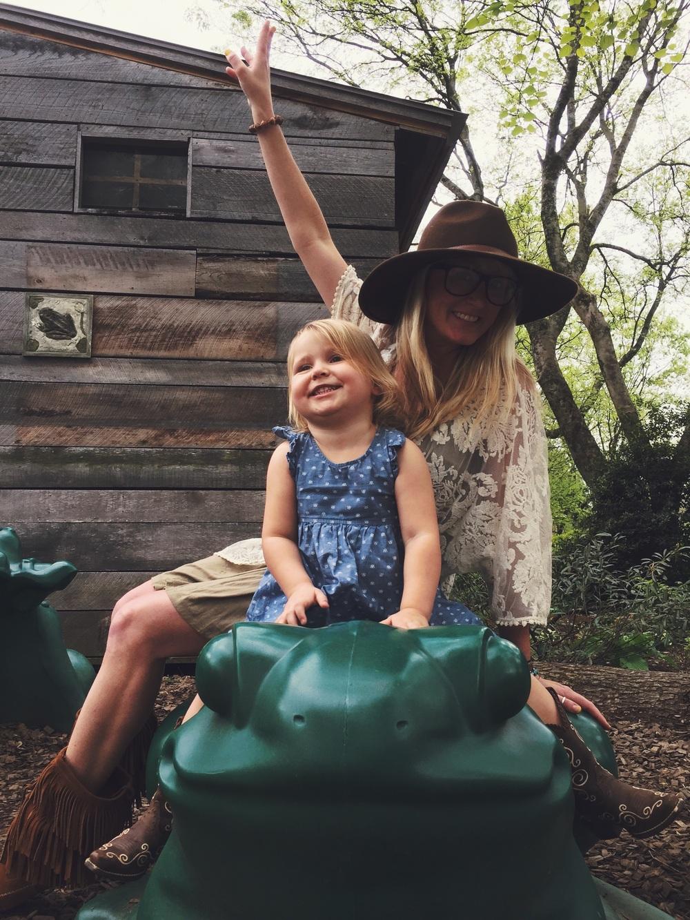 """She loves her Aunt """"Kiki!"""" @till2320"""