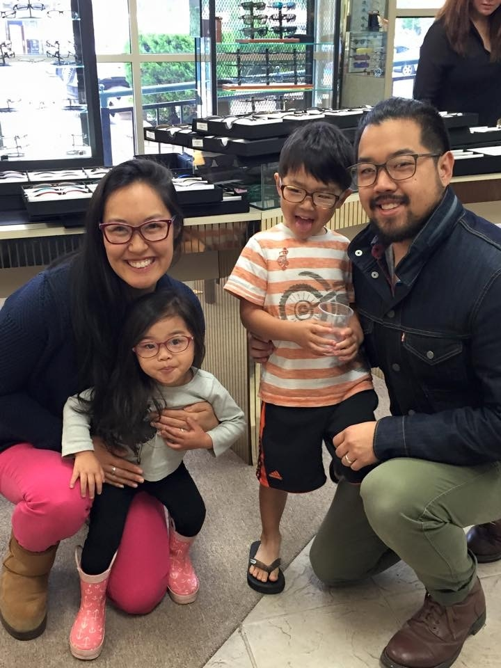 The most adorable family trying on the TC Charton frames!