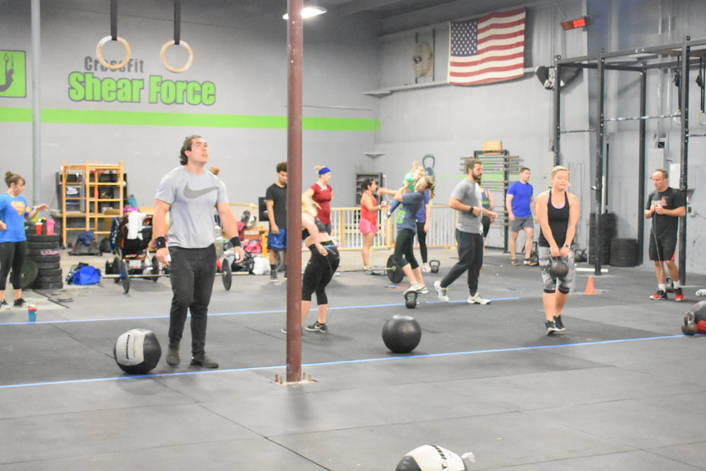 8 SETS AGAINST A 2:00 CLOCK 20/15 Calorie Row Max HSPU in remainder of time -Rest 2:00 between sets-