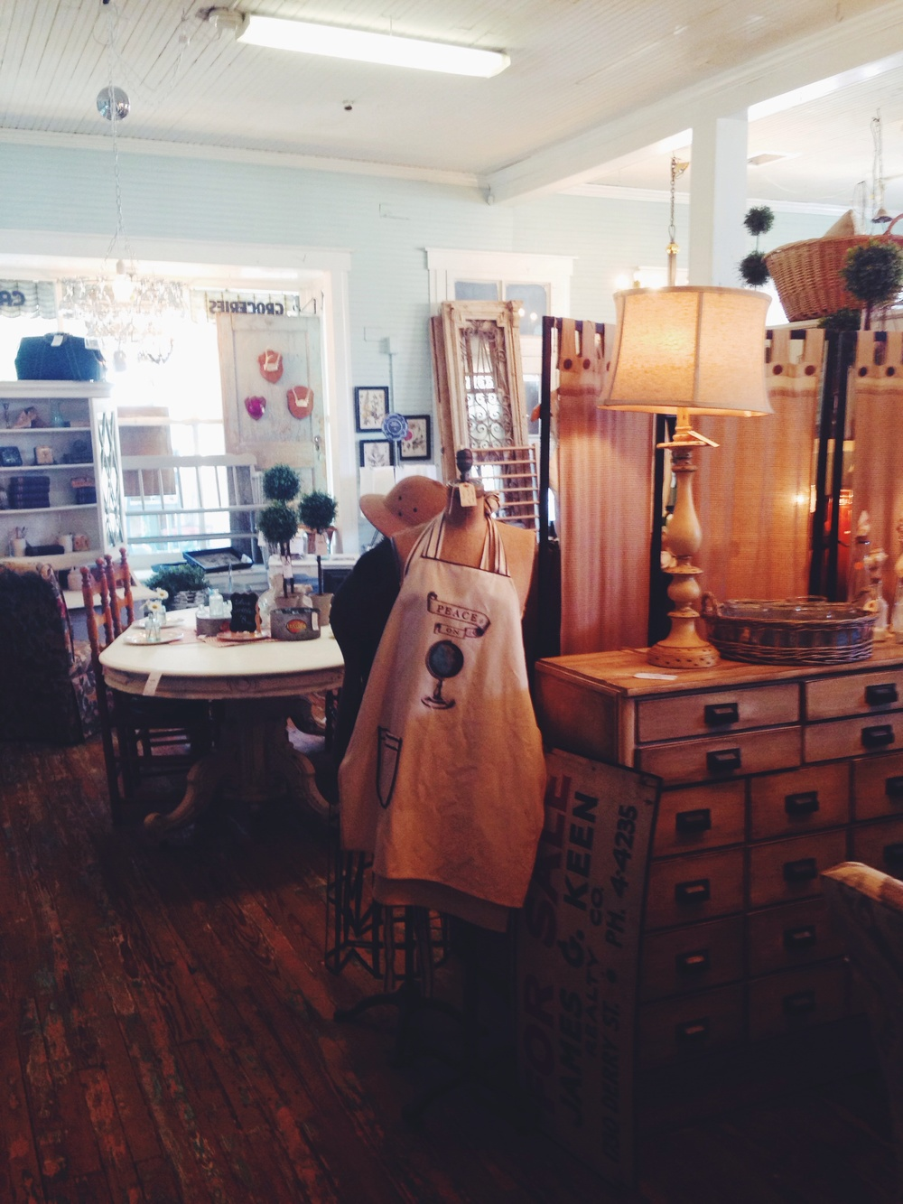 Old Lucketts Store | Leesburg, Virginia | The Gallivant