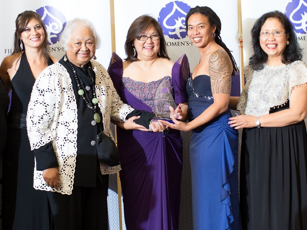 Receiving her Global FWN100™ Award as Innovator & Thought Leader, Janet C. Mendoza Stickmon (second from right) is joined by (from left) FWN President Susie Quesada, Vangie Buell (US FWN100 '07), FWN Founder & CEO Marily Mondejar and FWN Chair Elena Mangahas. The Global FWN100 Awards™ Gala was held on October 26, 2013 during the 10th Filipina Leadership Summit in San Francisco California.