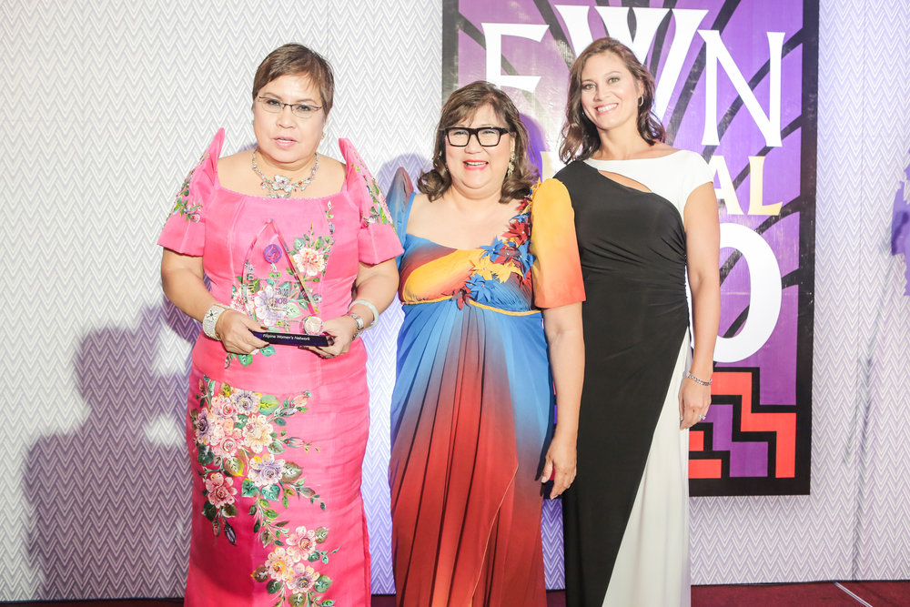 Lorna Patajo-Kapunan (Global FWN100™ '16) pictured with FWN CEO & Founder Marily Mondejar and FWN President Susie Quesada.