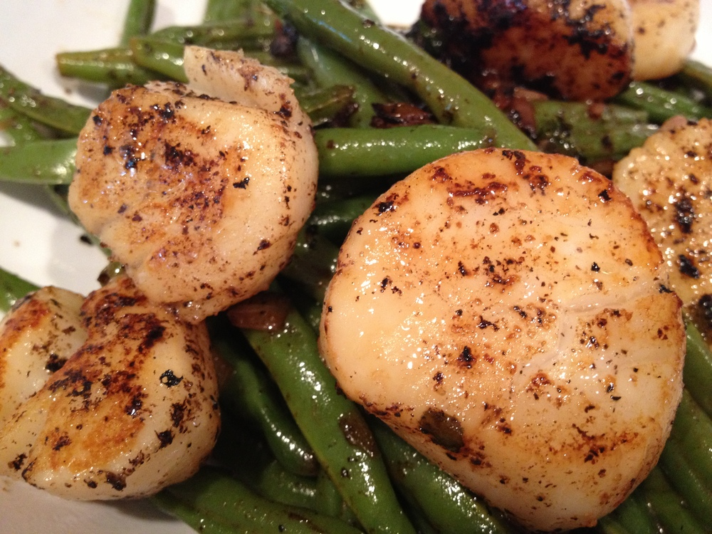 Seared Scallops + Green Beans
