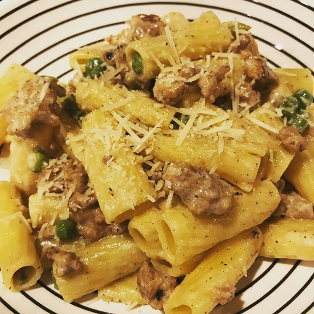 #rigatoni for dinner with sweet sausage and peas #cookingathome #pasta #loadwithcarbs