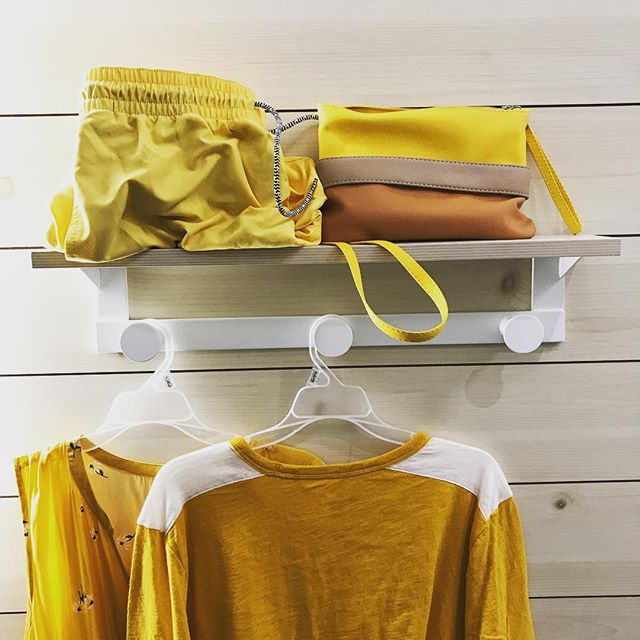 When your #yellow obsession slowly surfaces... #butilikeit #goodforthesoul #shopforvacay