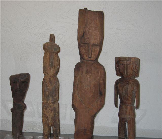 Kuna Nuchu dolls from molagirl.com.