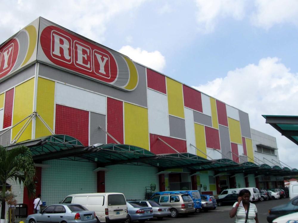 REY mega market - Photo from Shelter Bay Marina website