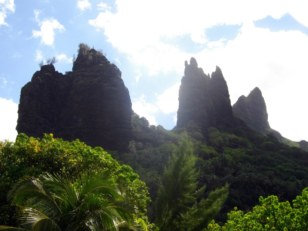 A view of the Virgin Mary of Nuku Hiva.