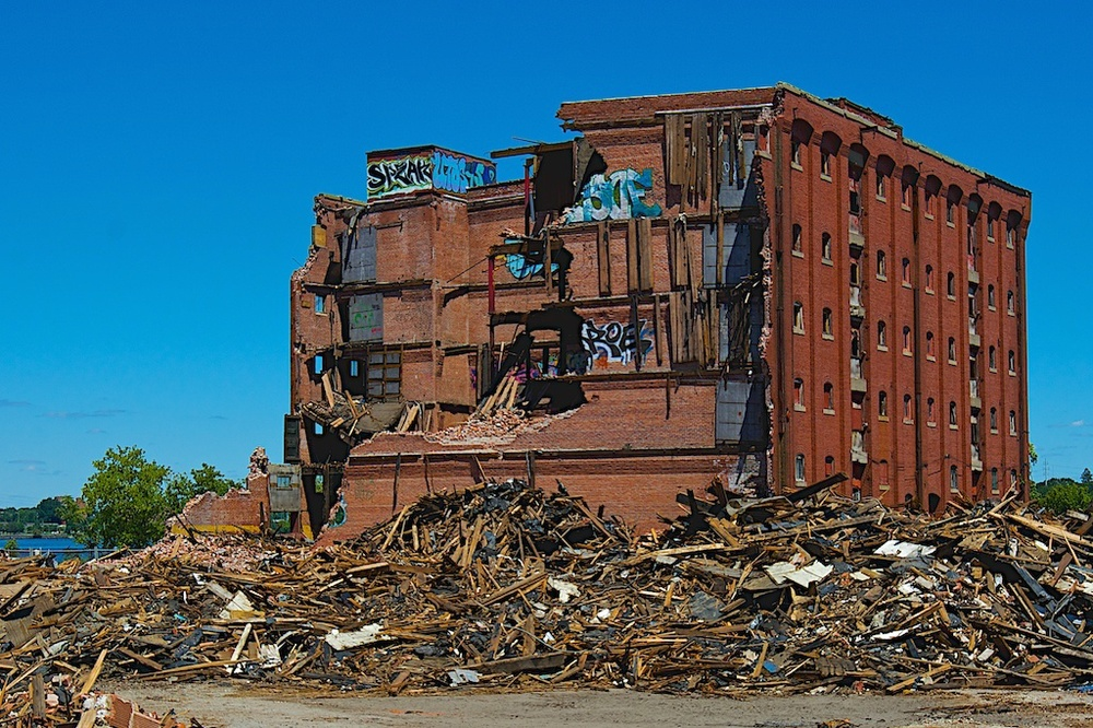 Shepherd Terminal Warehouse Building Comes Down