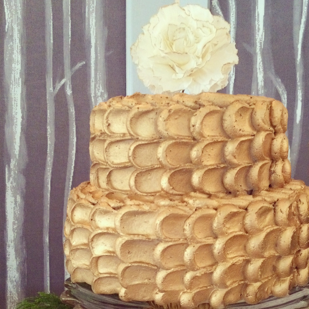 Gilded petal cake with gold tipped peony