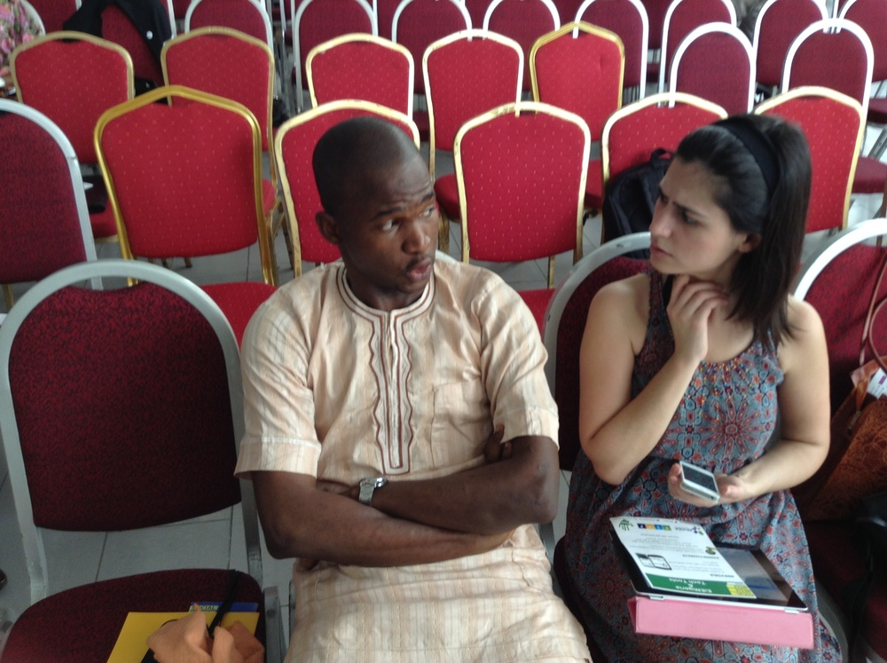 Taiwo is dropping knowledge to Catarina Gomes of LoveMatters.info in Kenya.