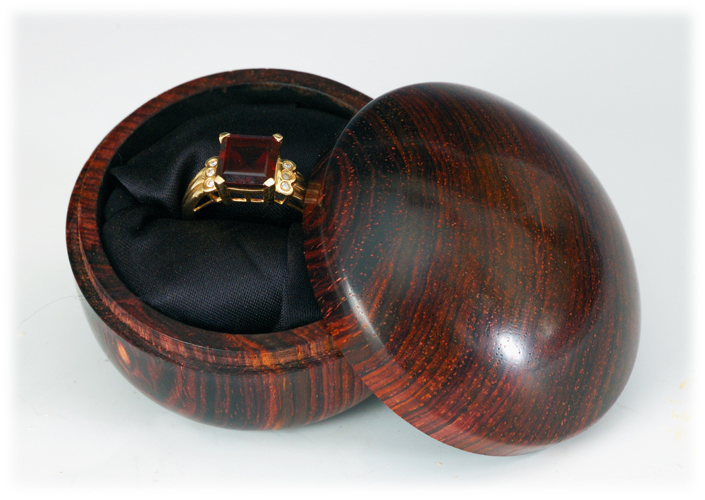 Cocobolo ring box 3 02.jpg