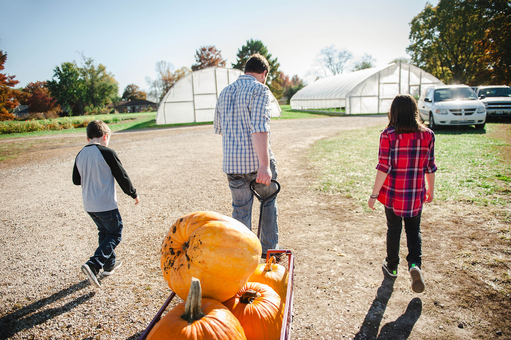 Mill Creek Farm Quincy, IL Family Photos Pumpkin Patch Session