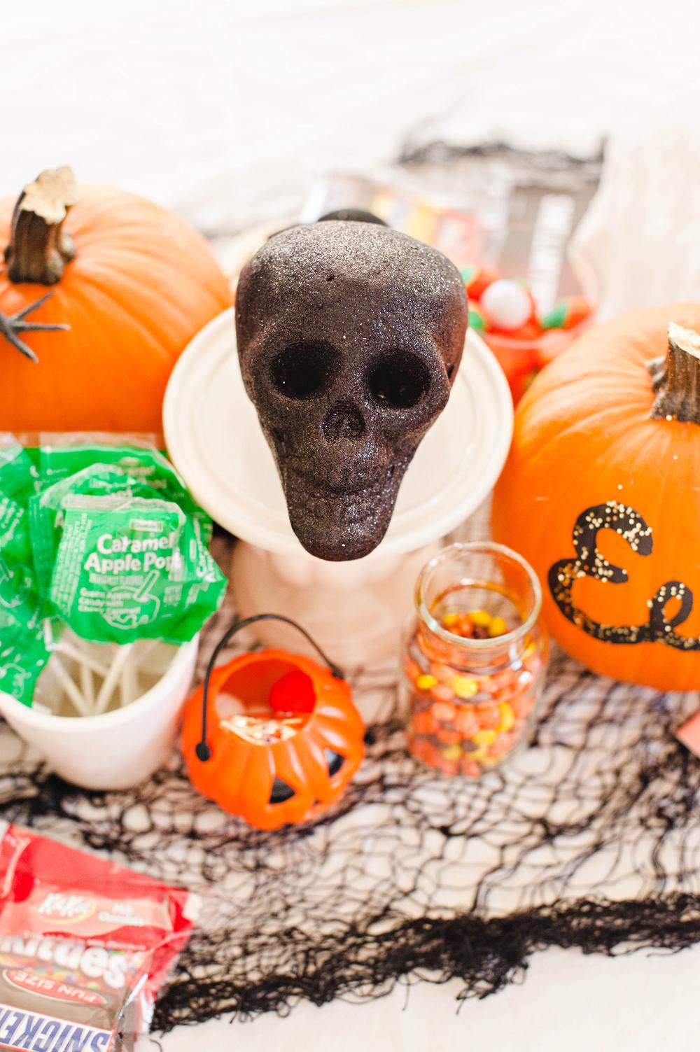 Easy Halloween Table Decor
