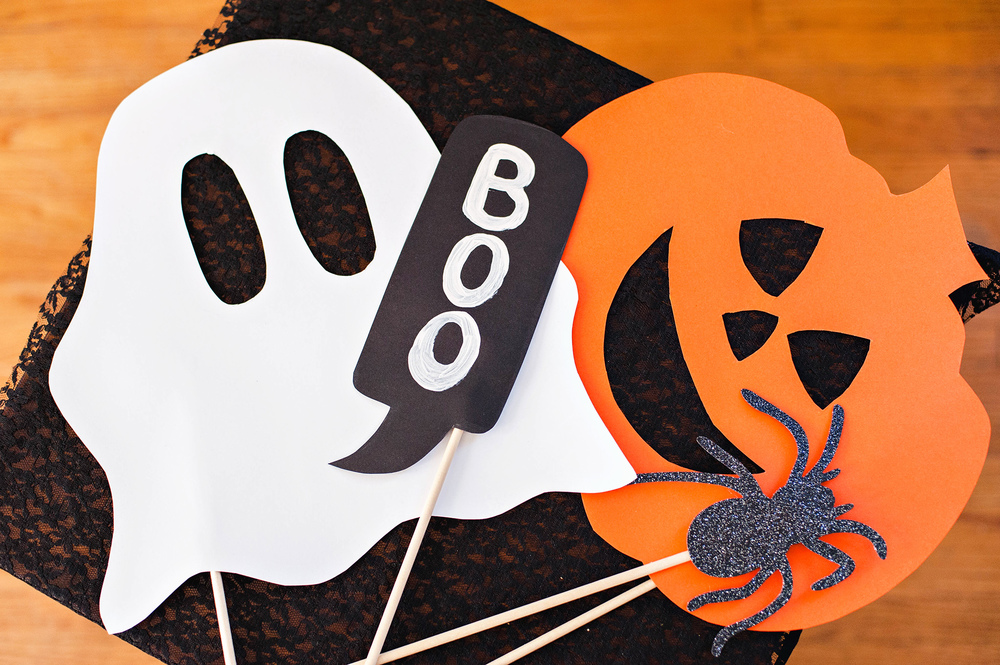 diy kids halloween photo booth props - Halloween Photography Props