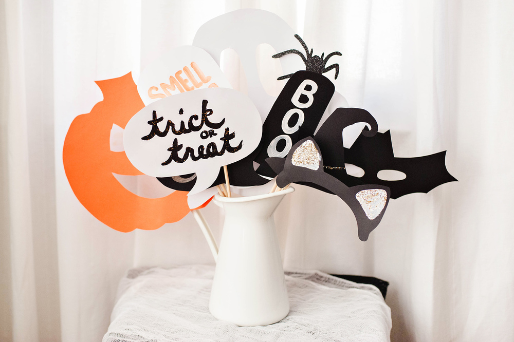 Easy DIY Kids Halloween Photo Booth Props
